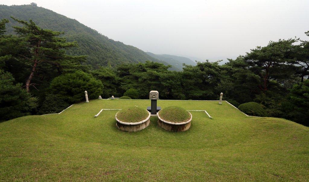 韩前总统全斗焕家族祖坟地以600万元拍卖