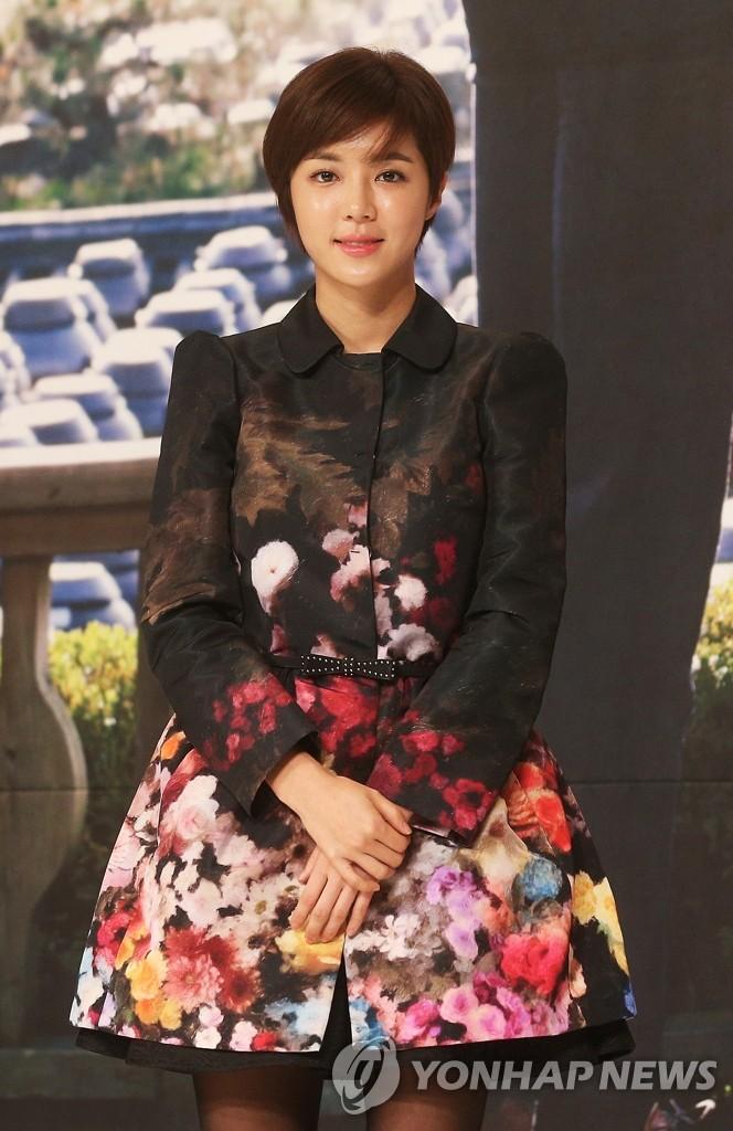 《好好长大的女儿荷娜》的朴韩星