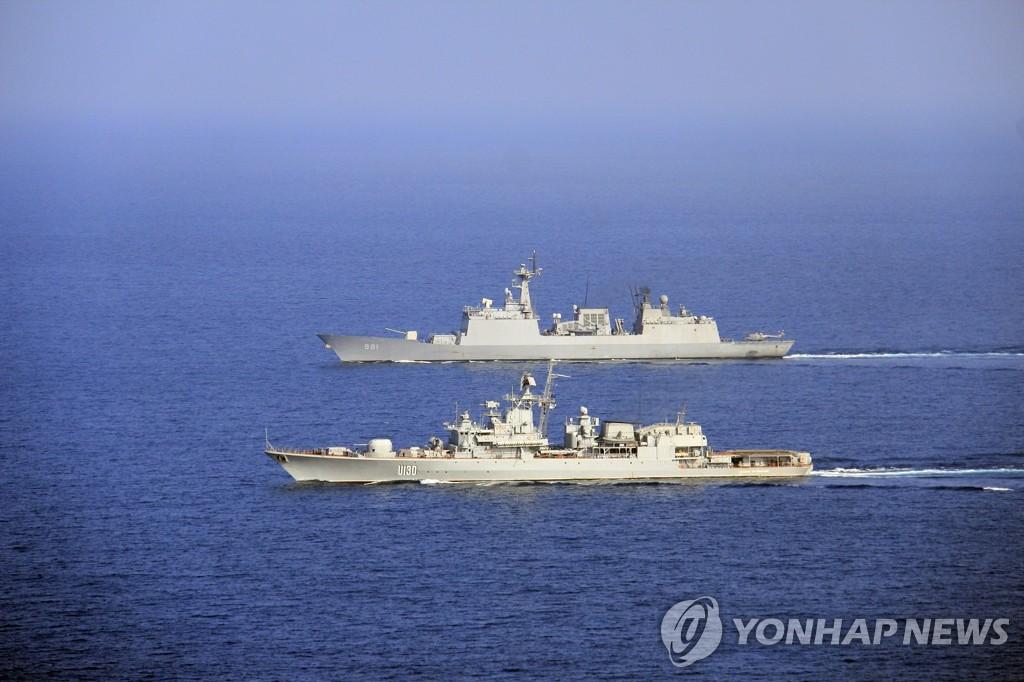 韩国和乌克兰海军联合开展反海盗训练