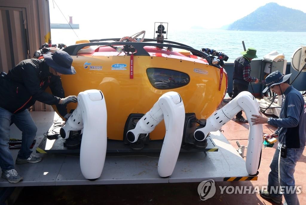多关节机器人被投入搜救工作