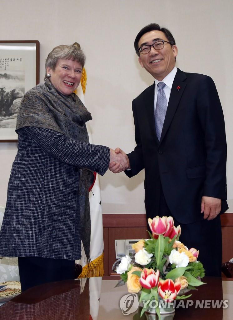 韩外交部次官会见美国务院副助理国务卿