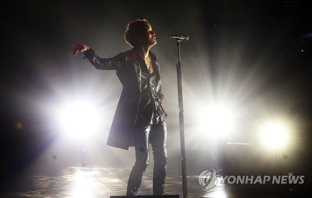 JYJ金在中举行个人演唱会