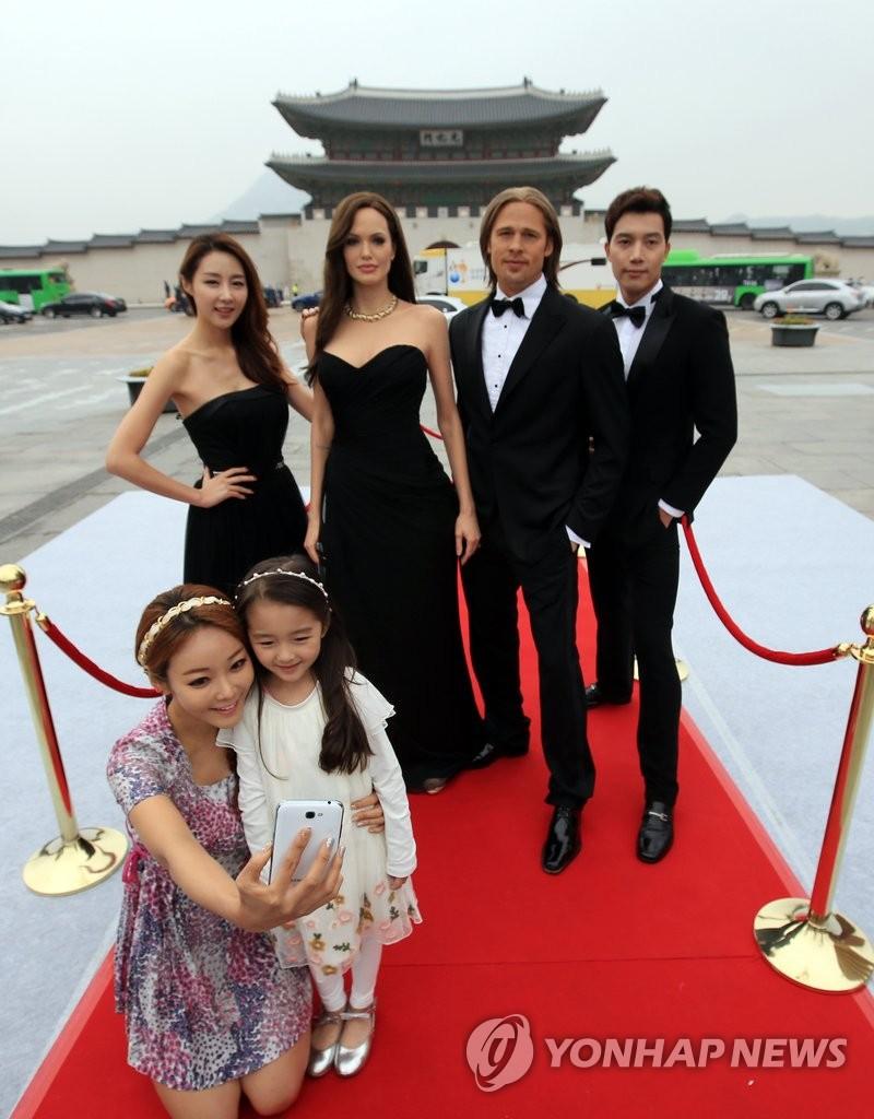 香港杜莎夫人蜡像馆将展出李钟硕蜡像