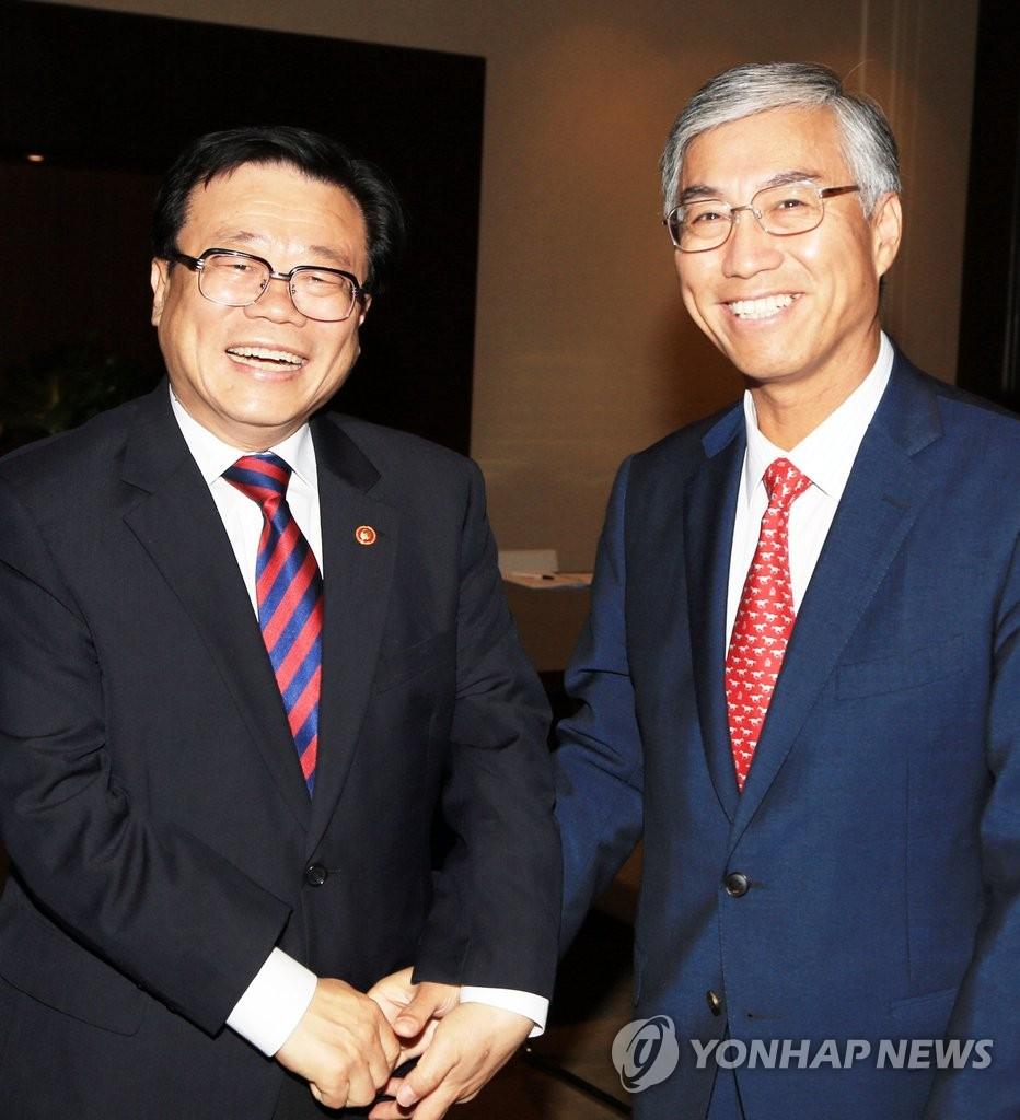 韩农林部长官会见中国大使