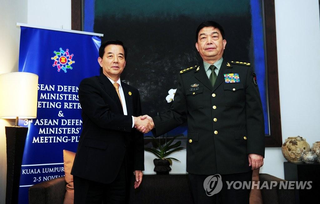 韩中防长马来西亚会晤