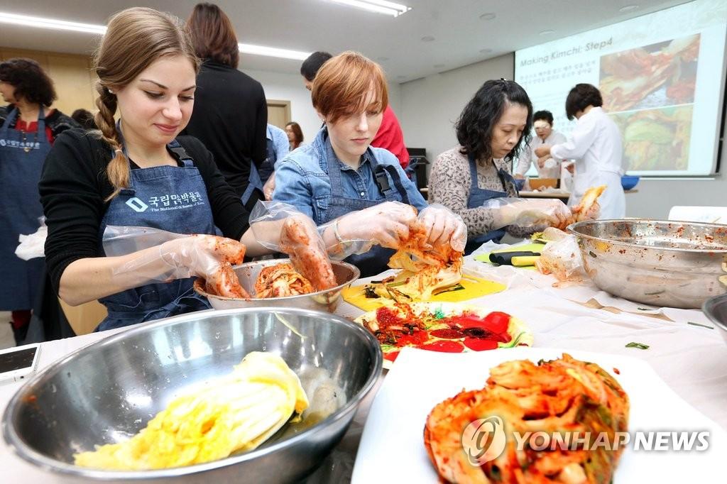 韩庆祝泡菜对华出口重启