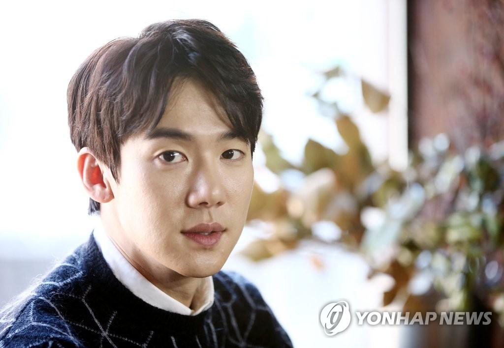 韩演员柳演锡4月1日在首尔办粉丝会