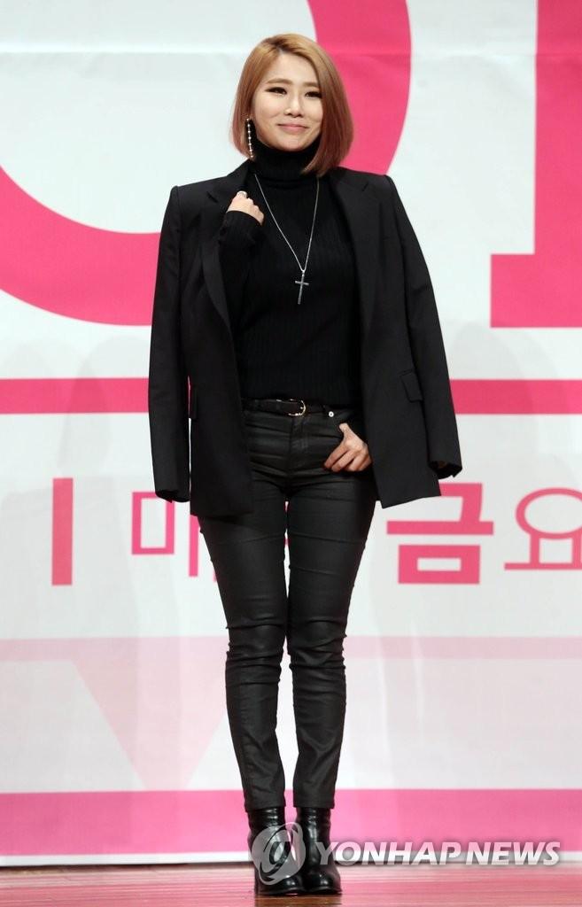 JeA出席选秀节目发布会