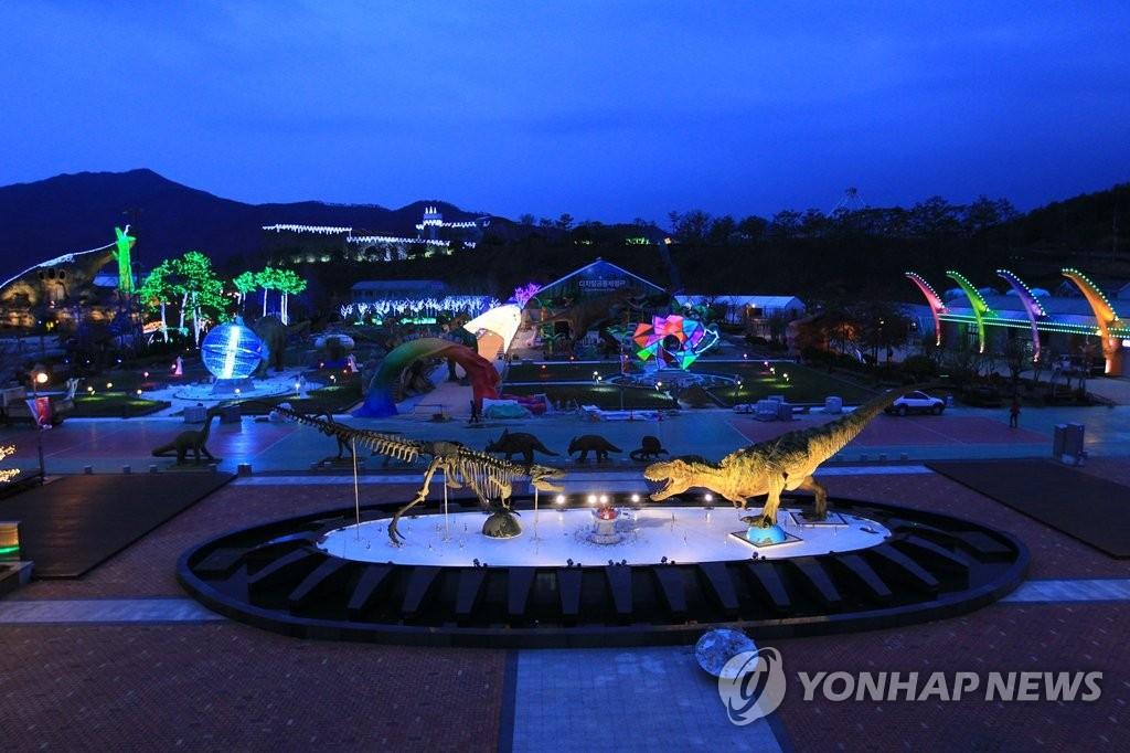 固城恐龙世博会夜间景观