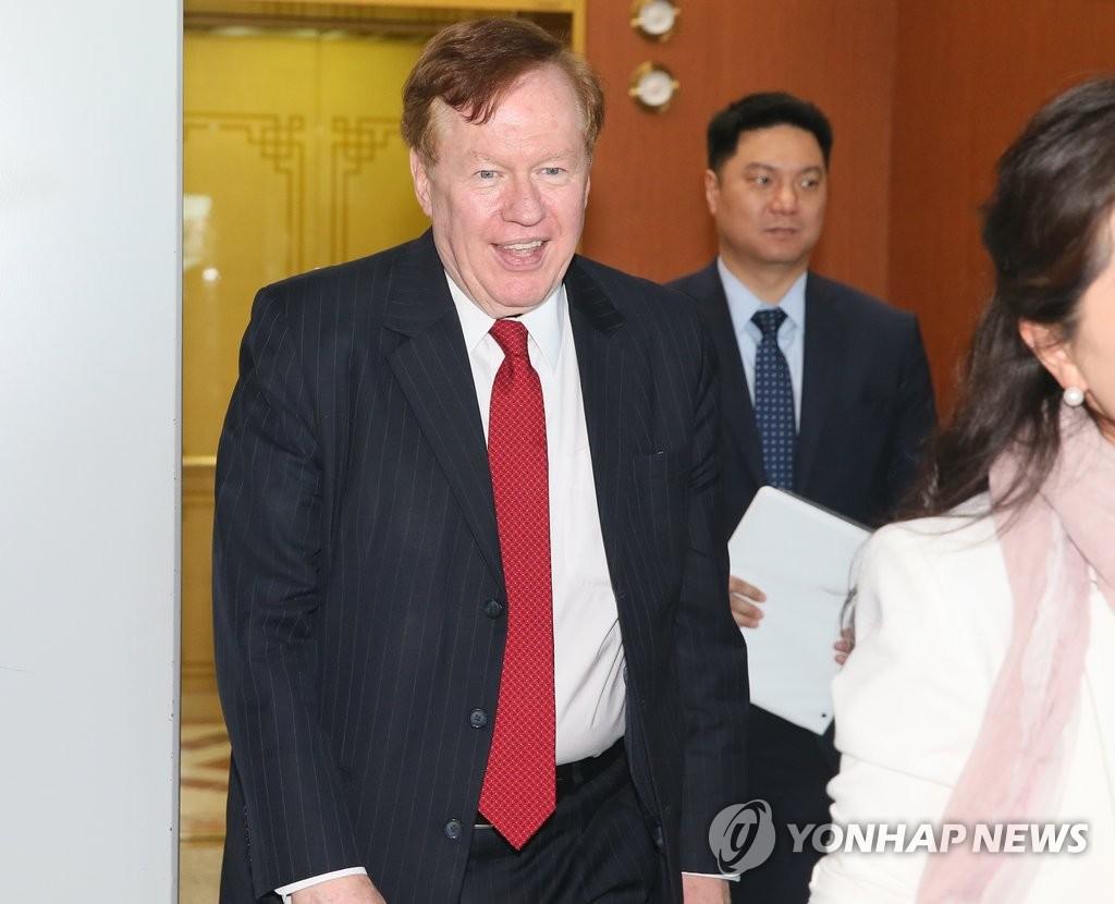 美国朝鲜人权特使会见韩国副外长