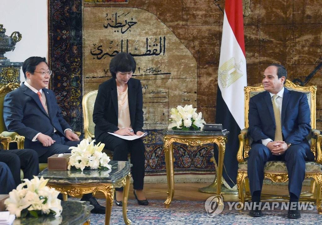 韩产业部长官拜访埃及总统