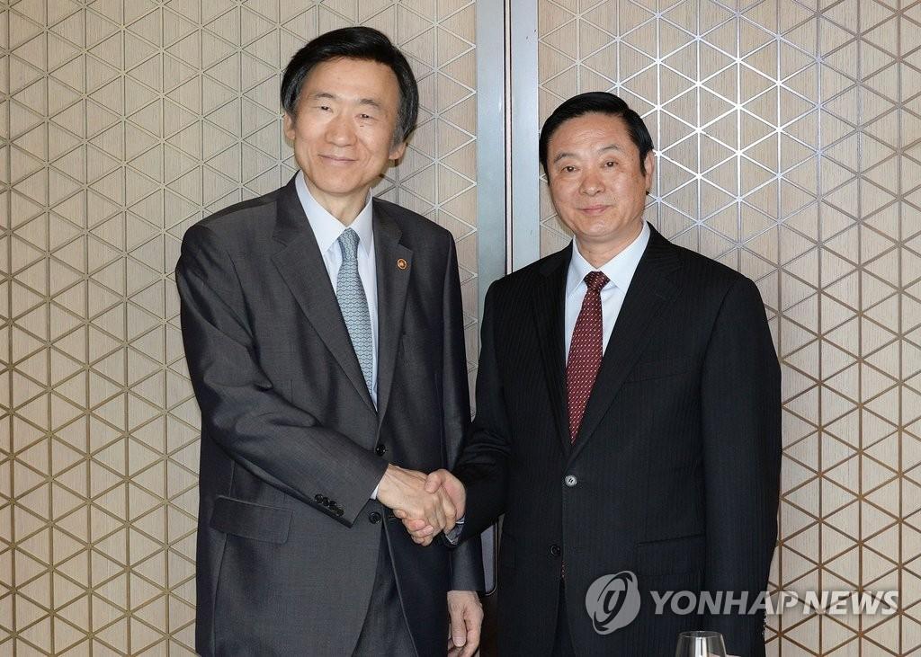 韩外长尹炳世会中国中宣部部长刘奇葆