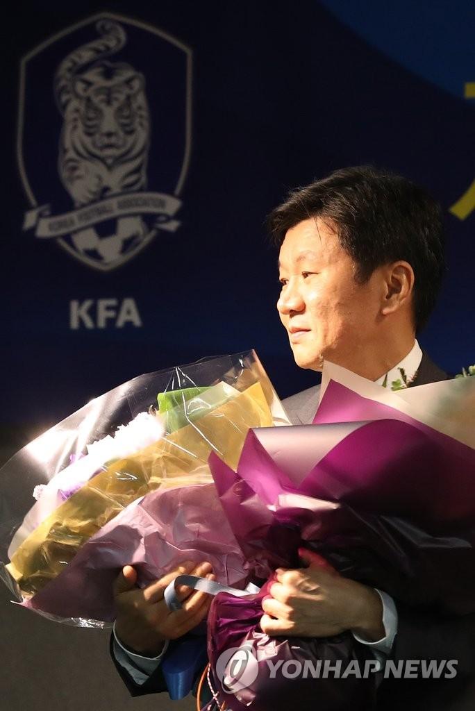 郑梦准连任韩足协会长