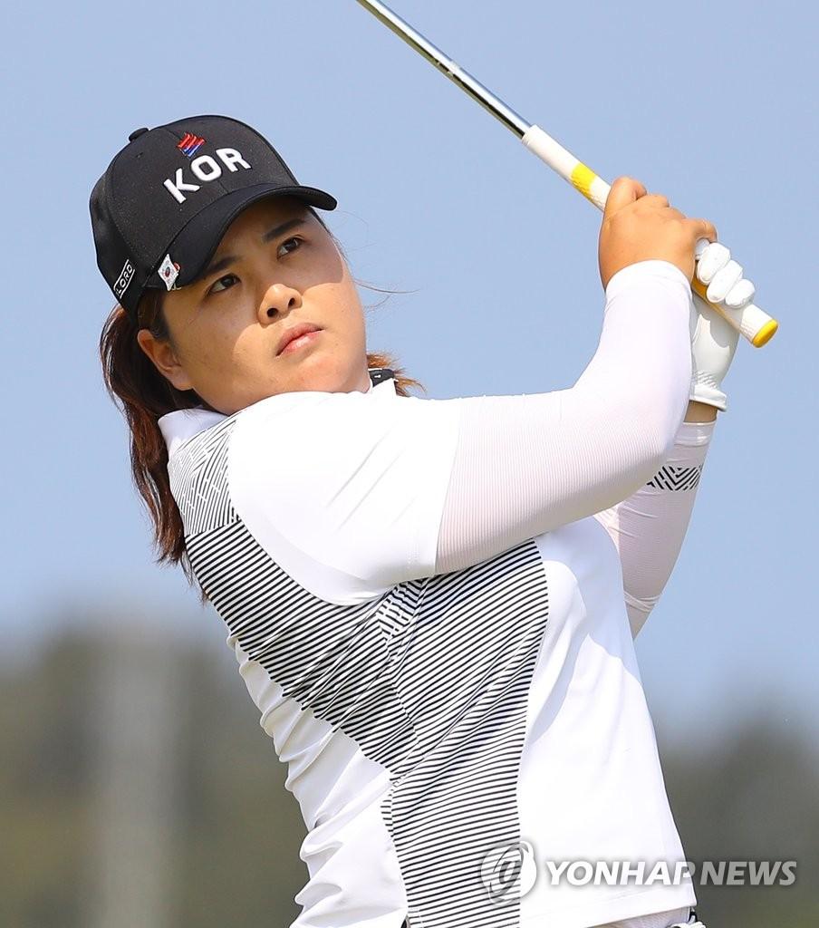 朴仁妃领跑里约奥运女子高球赛
