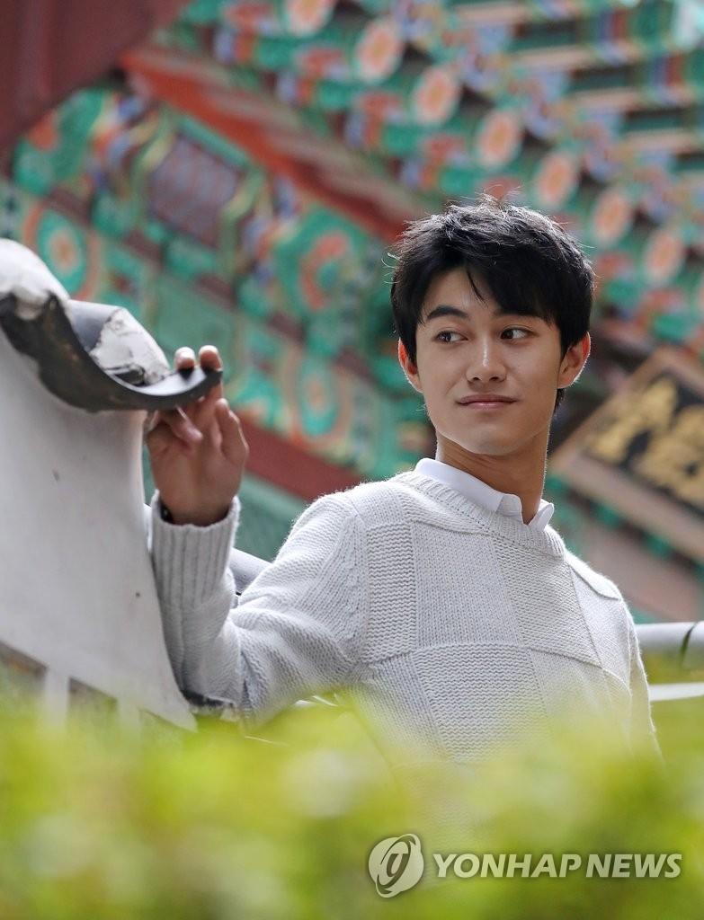 演员郭东延