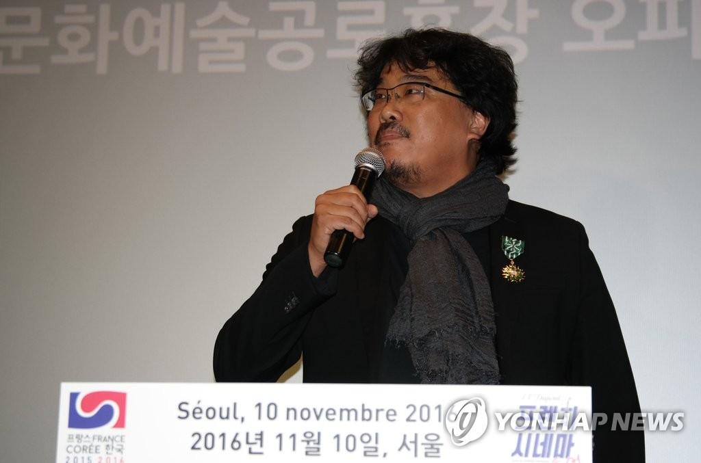 《雪国列车》导演奉俊昊