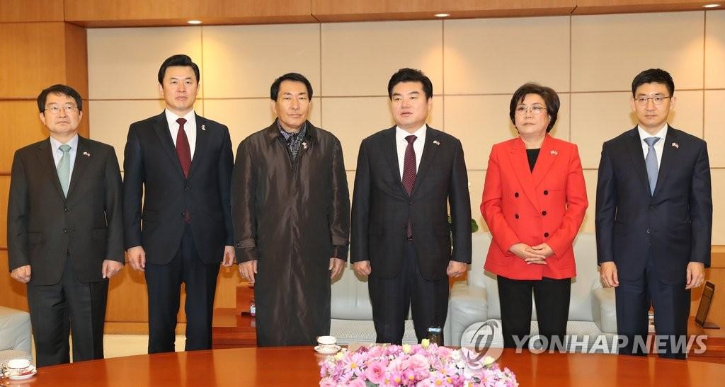 韩执政党议员访美特使团成员