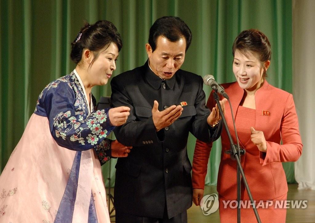 朝鲜庆祝金正恩就任最高司令官5周年