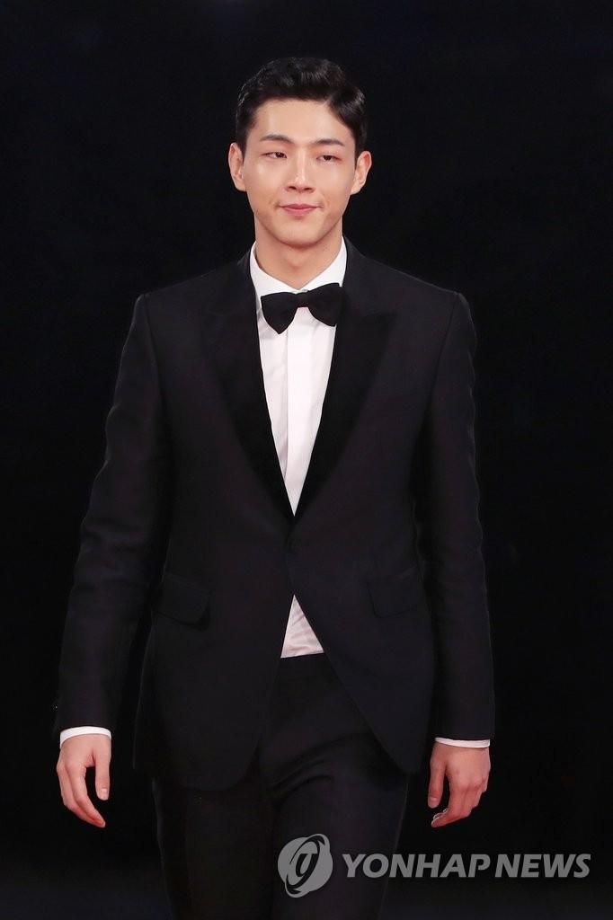 演员Jisoo将在首尔办粉丝见面会