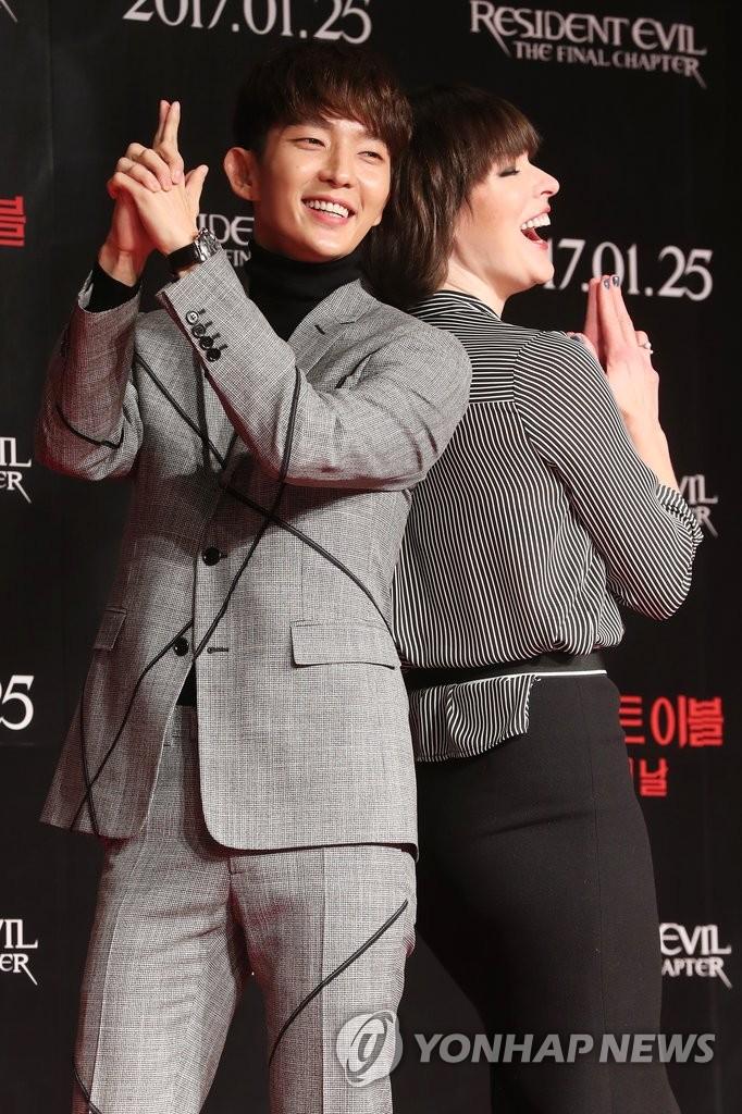 演员李准基和米拉