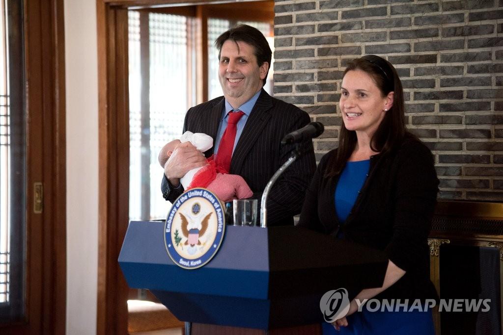 美驻韩大使举行离任记者会