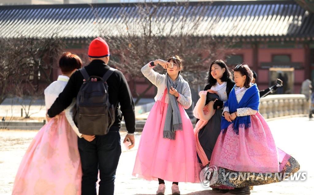 外国游客来韩过年