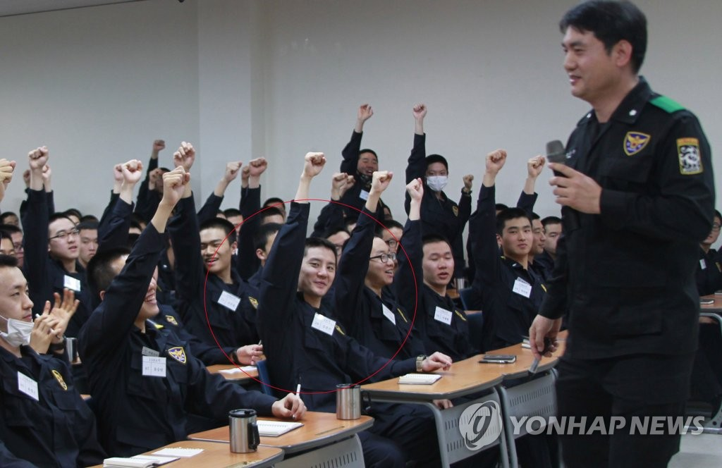 JYJ金俊秀服兵役积极向上