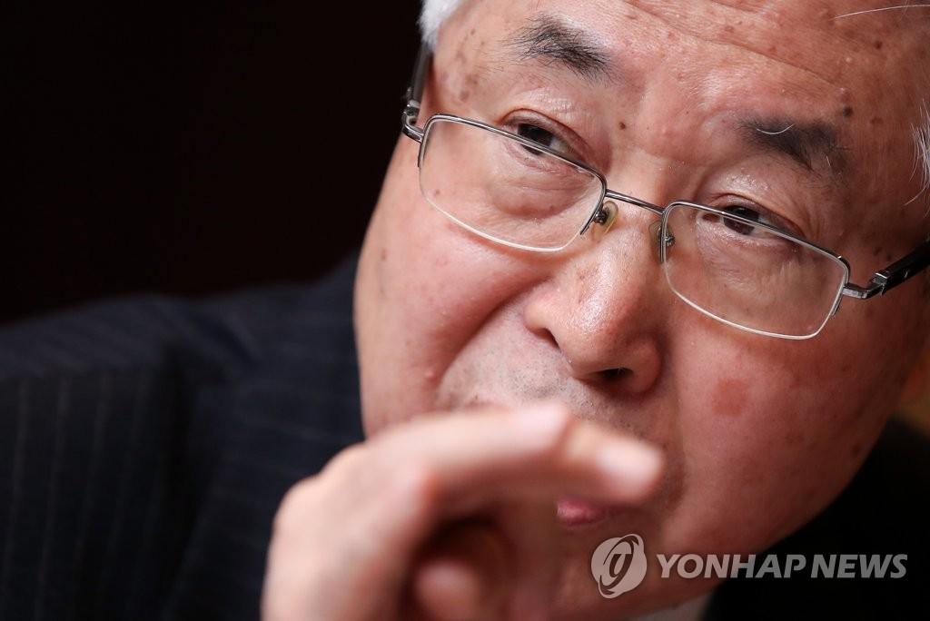 详讯:中国前副外长王英凡在韩与记者座谈