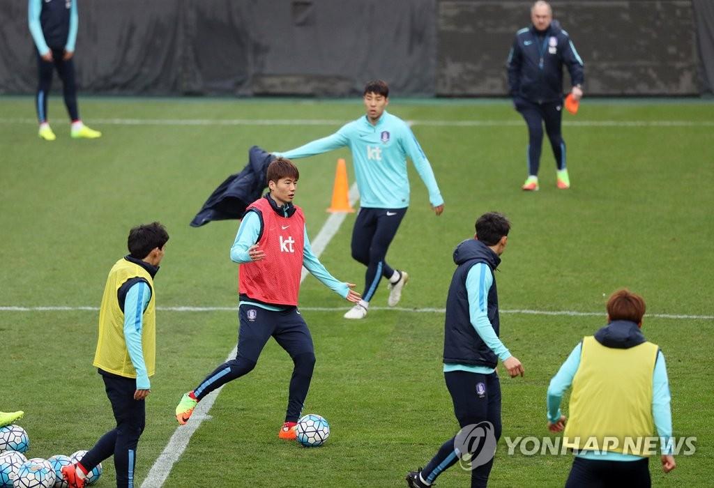 韩国足备战世预赛韩叙利亚大战