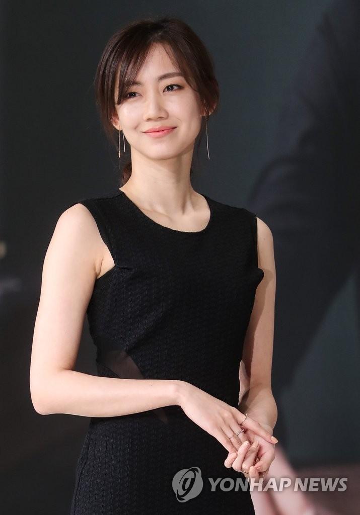 演员申贤彬