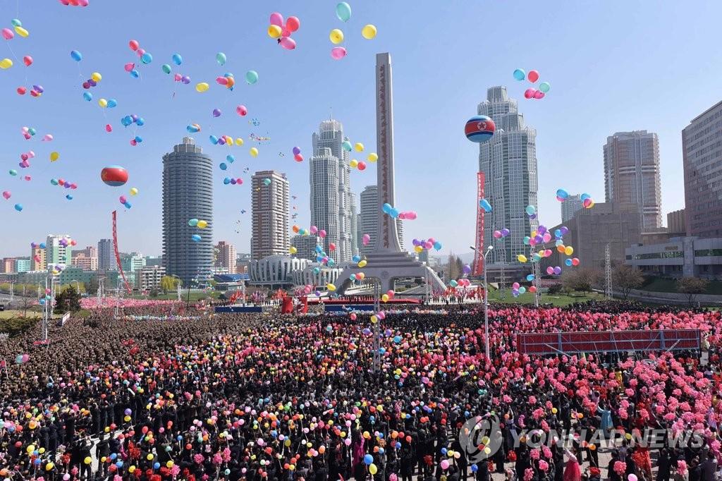 朝鲜举行黎明街竣工仪式