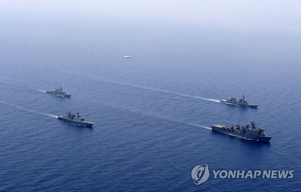 韩美日英海军在亚丁湾进行反海盗联合军演