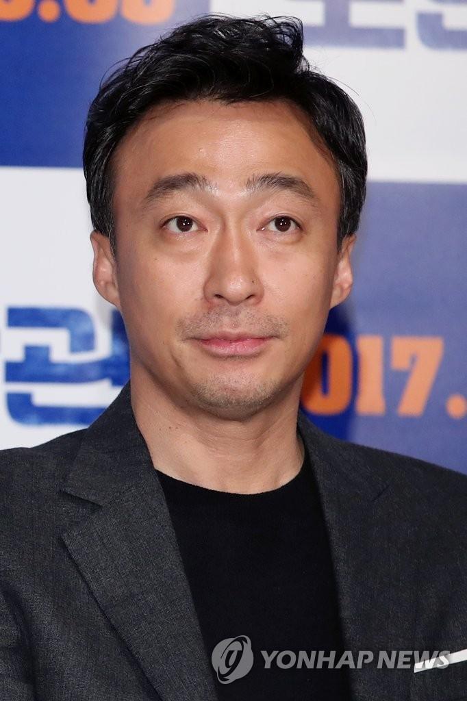 演员李圣旻