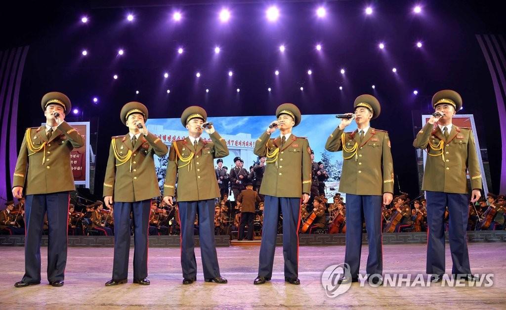 朝鲜举行音乐演出庆祝建军节