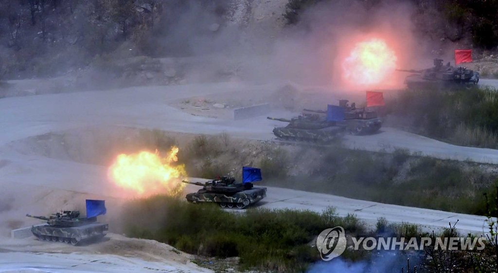 韩美举行大规模联合火力演习 提升抗朝战力