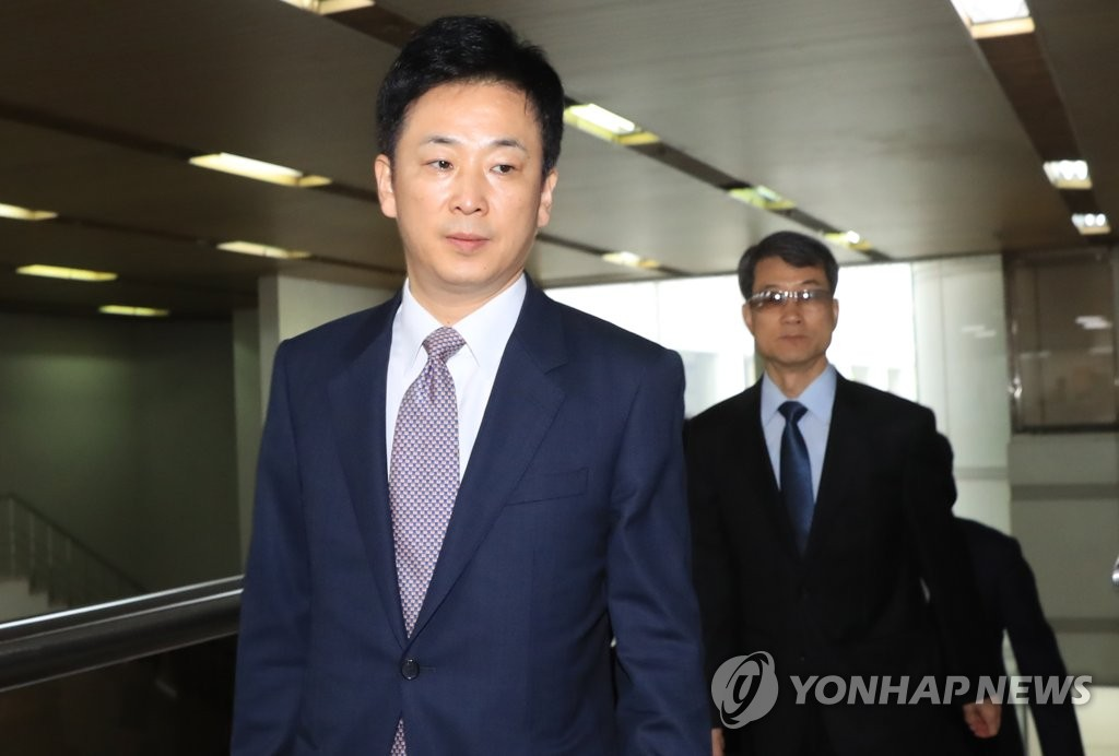 朴槿惠律师出席预审