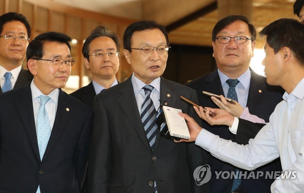 韩总统特使启程访华
