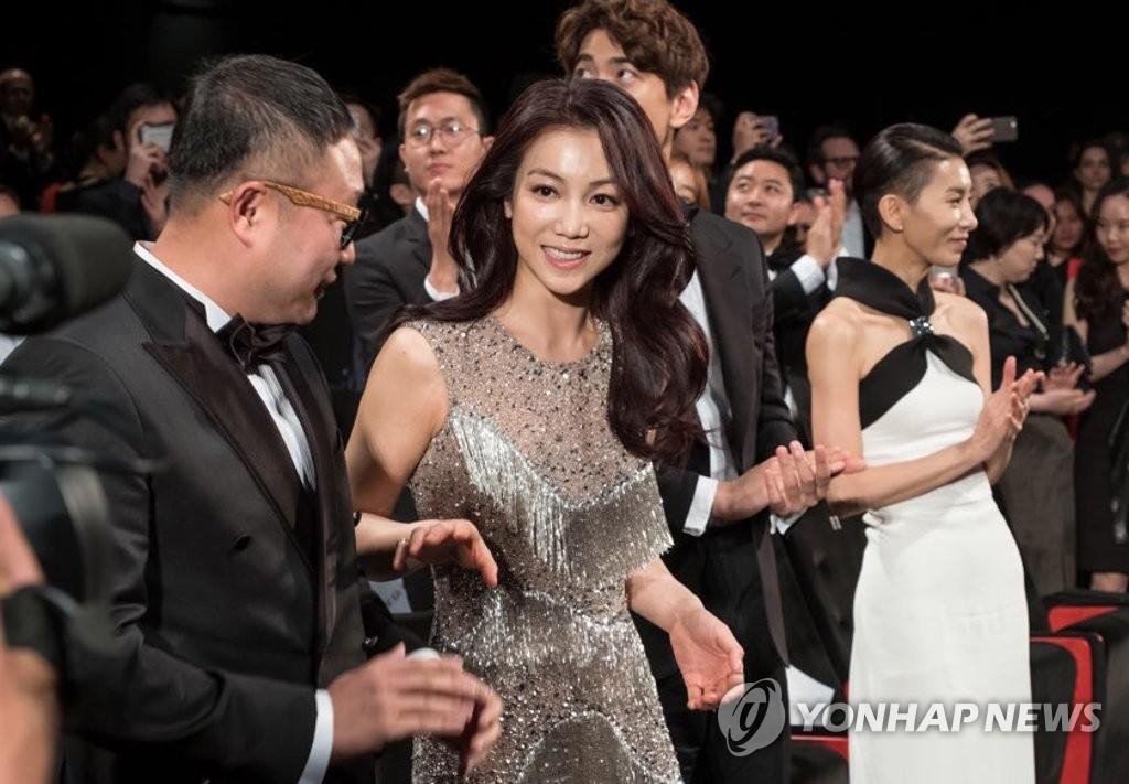 韩片《恶女》亮相戛纳