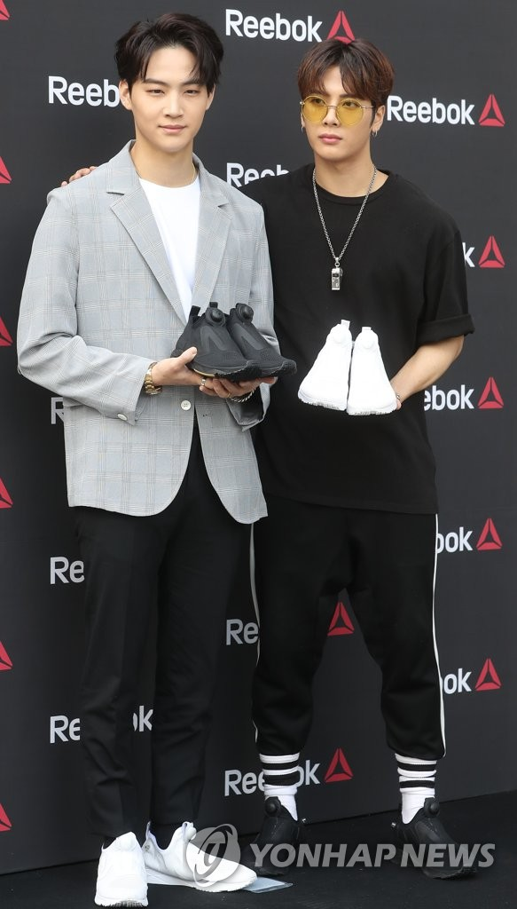 GOT7王嘉尔和JB