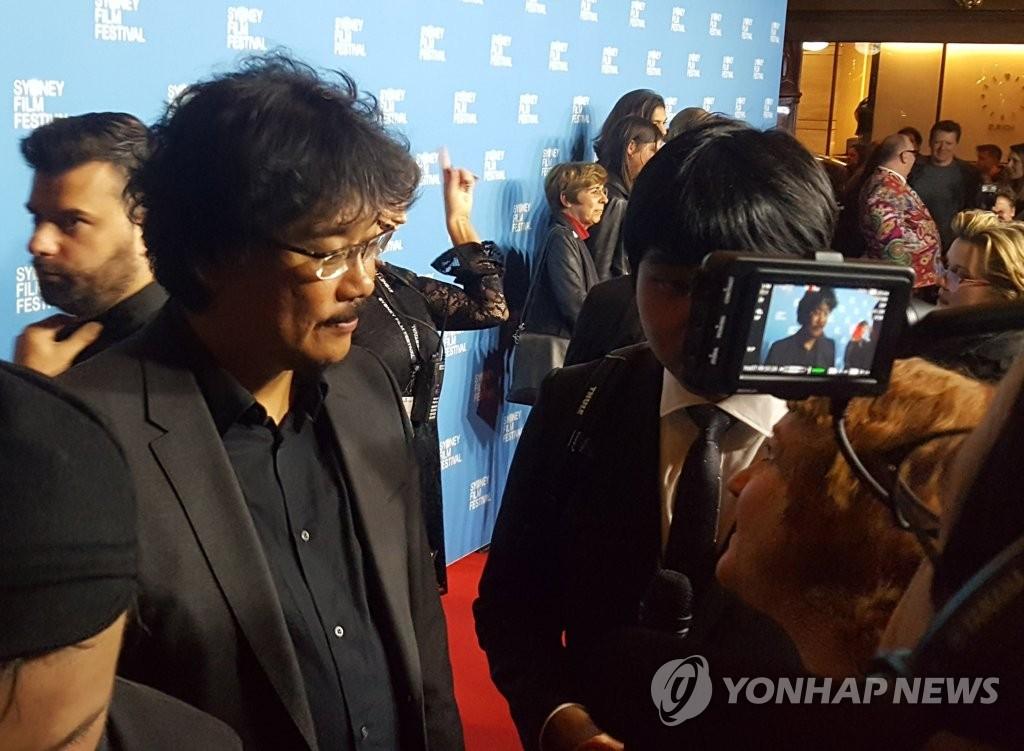 奉俊昊接受澳媒采访