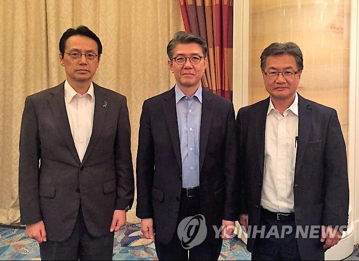 六方会谈韩美日团长在新加坡会晤