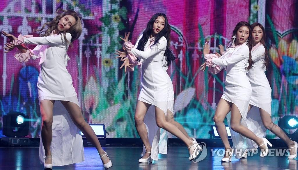 女团CLC发布新专辑