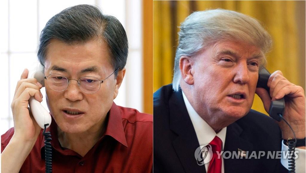17日上午,在韩国青瓦台,文在寅(左)和特朗普通电话。(韩联社/青瓦台提供)