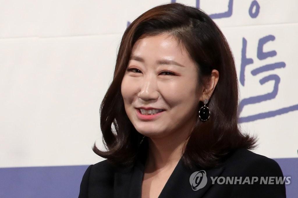 罗美兰成韩影坛10年来参演作品最多演员