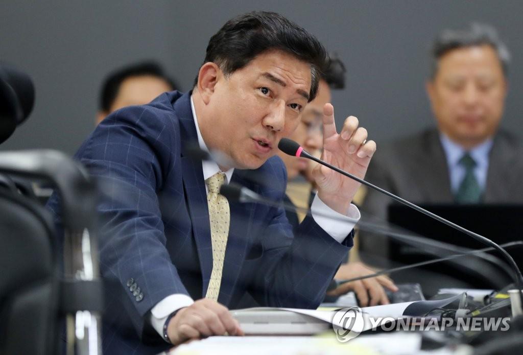 资料图片:金炳基(韩联社)