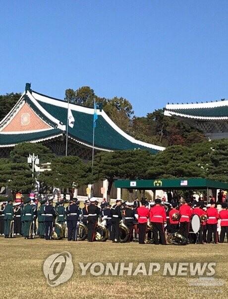 韩仪仗队为特朗普到访彩排