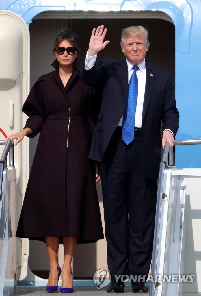 特朗普抵达韩国
