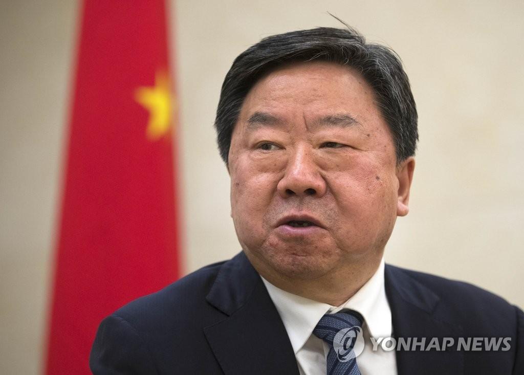 中共中央党校副校长接受采访
