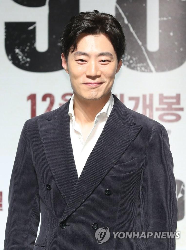 演员李熙俊