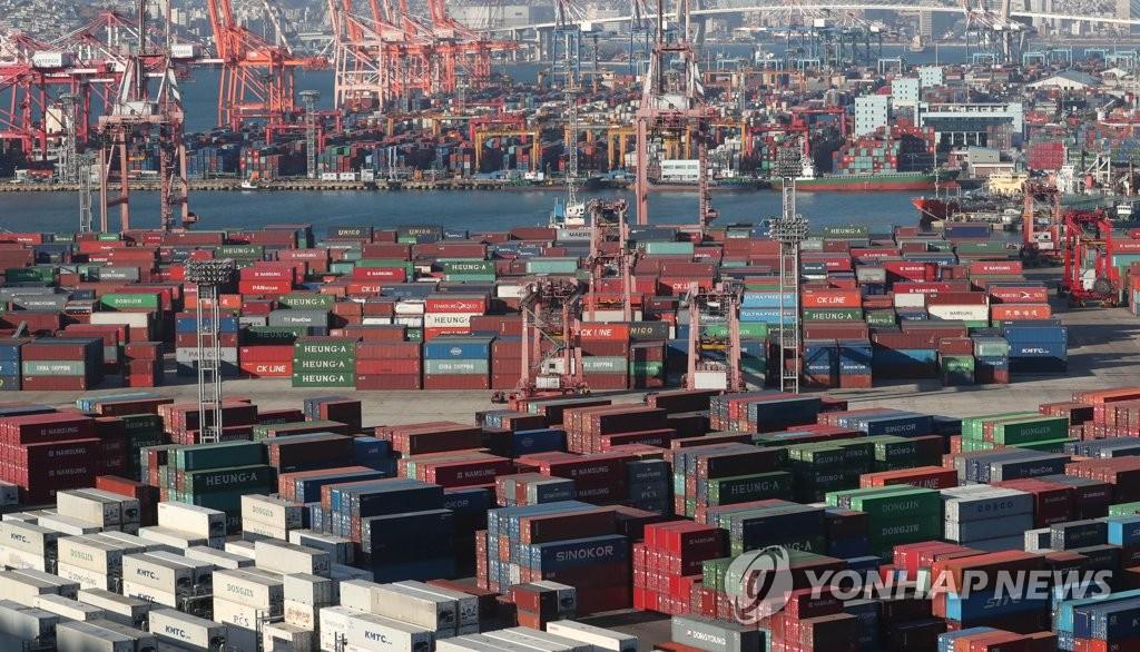 资料图片:韩国釜山港全景图(韩联社)